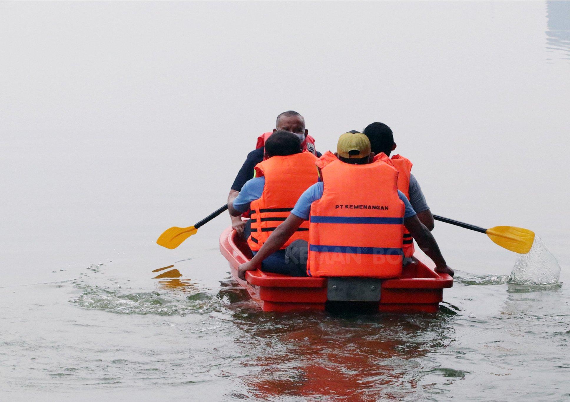 perahu karet plastik